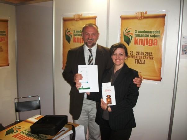 Sa Sajma knjiga u Tuzli 2012
