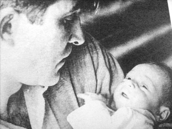 Miroslav Antić sa sinom Igorom, 14. decembar 1962. godina